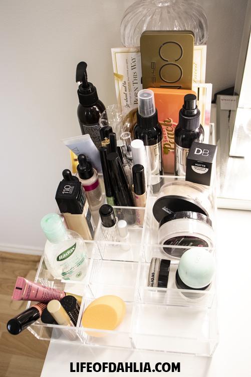 Inexpensive Makeup Storage | Life of Dahlia
